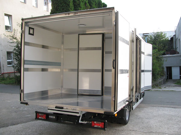 Autia - Box, s.r.o. | Nástavby na užitková vozidla a vestavby do dodávek